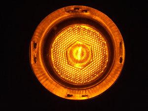 لامپ ترافیکی نارنجی رنگ